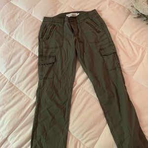 Sonoma Lifestyle Army green cropped pants size 4